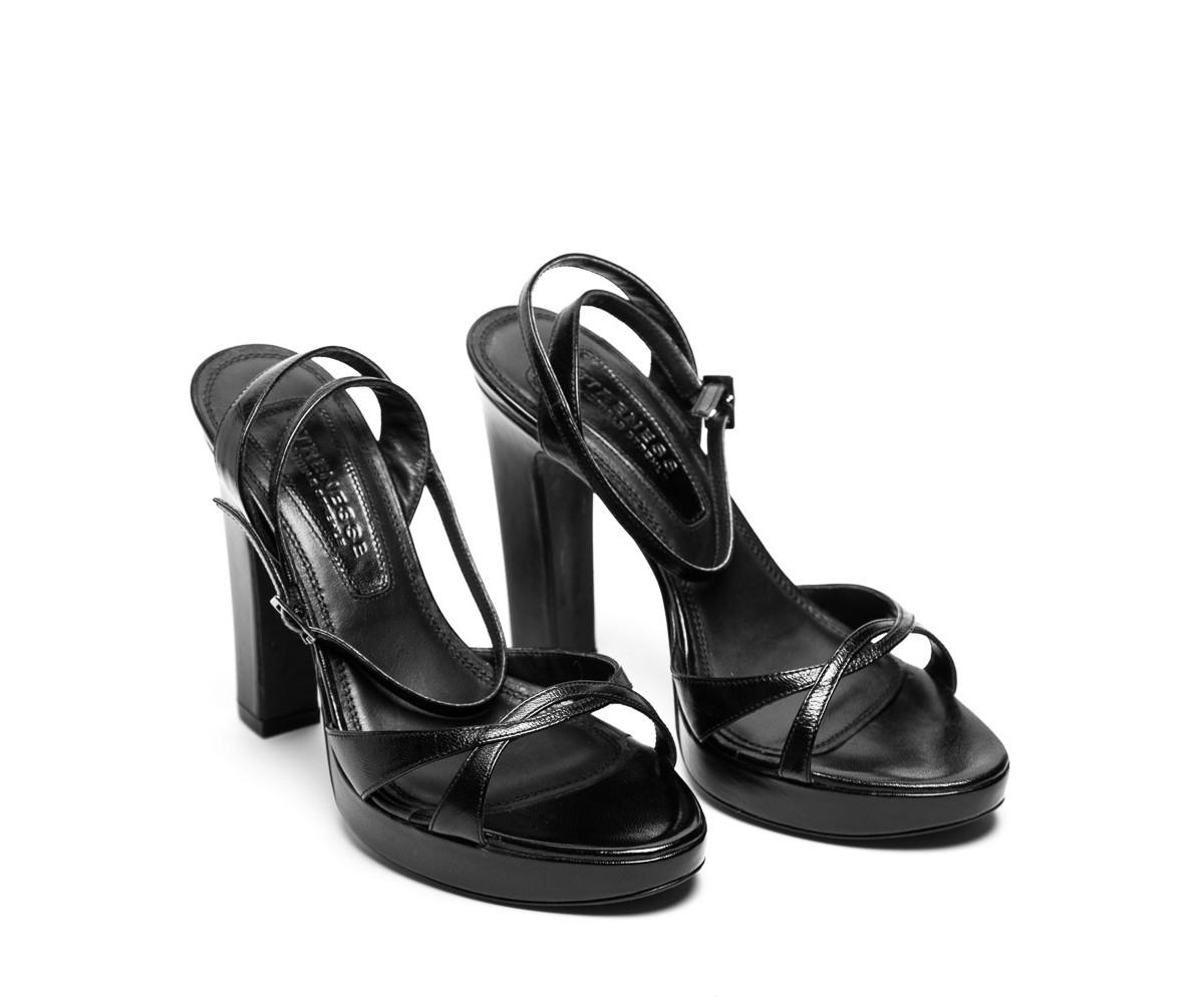 Босоножки женские кожаные черные на высоком каблуке Strenesse